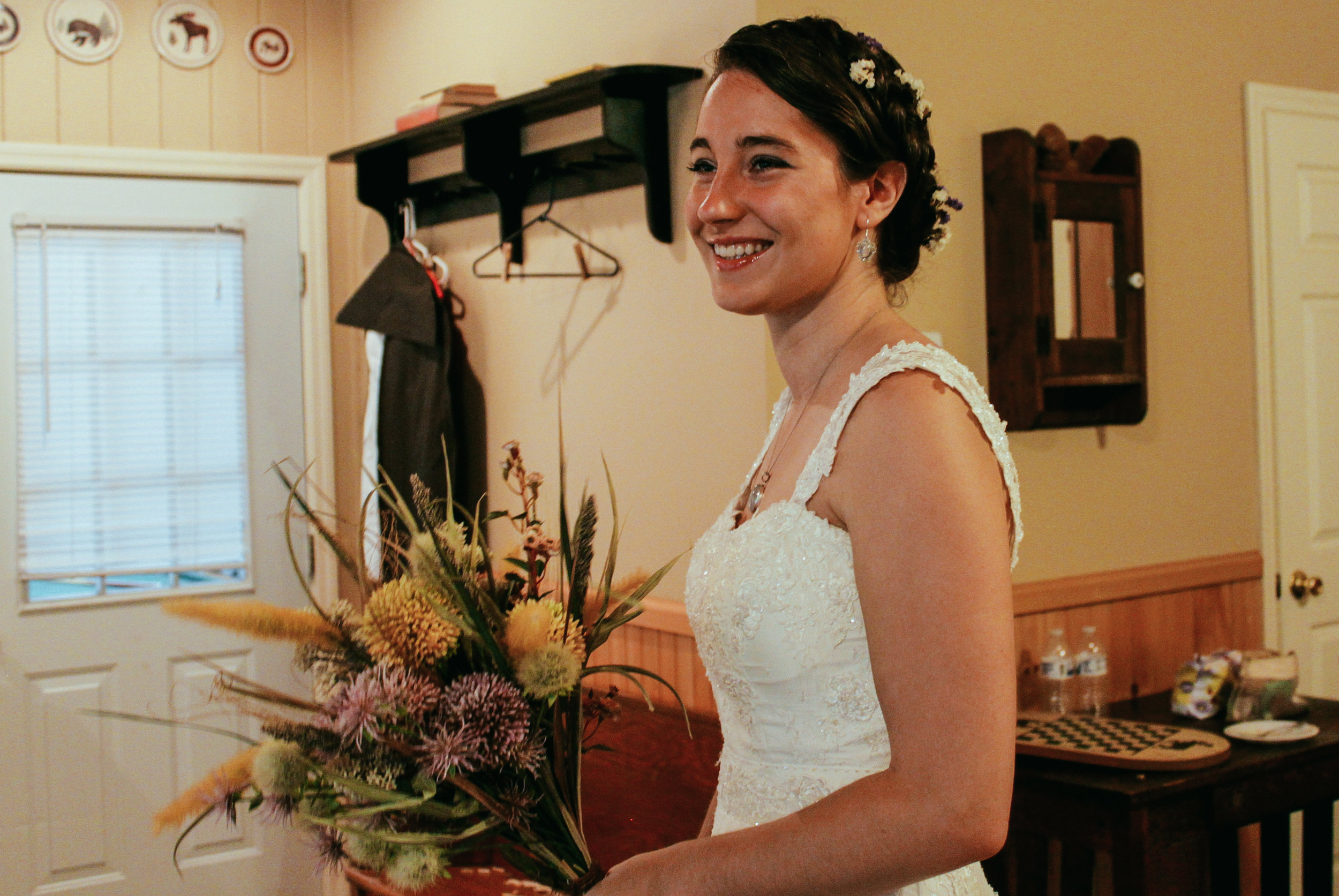 You're getting married!  Wellnesste offers a delightful wedding venue and cozy cabins for you and your wedding party.
