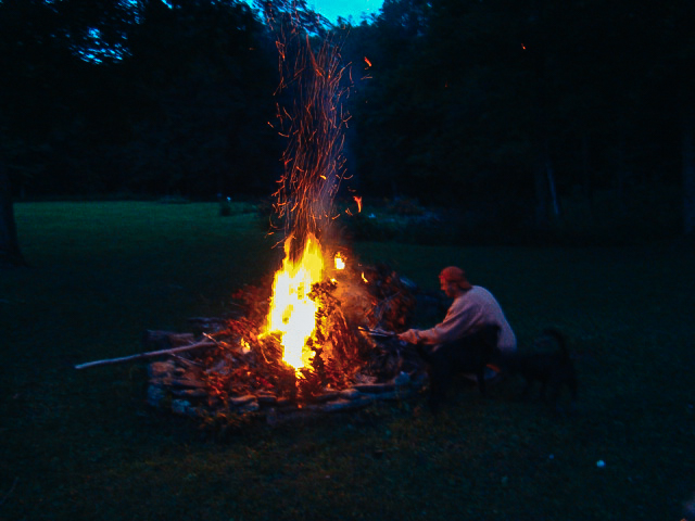 cabin rental & retreat guests enjoy 5 bonfire pits at wellnesste