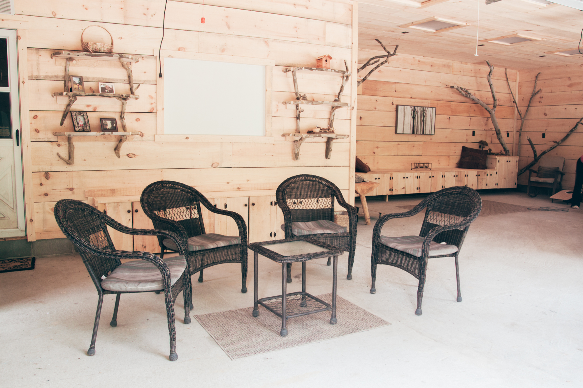 The Three Season room at Wellnesste Lodge is ideal for gatherings, retreats and relaxation.