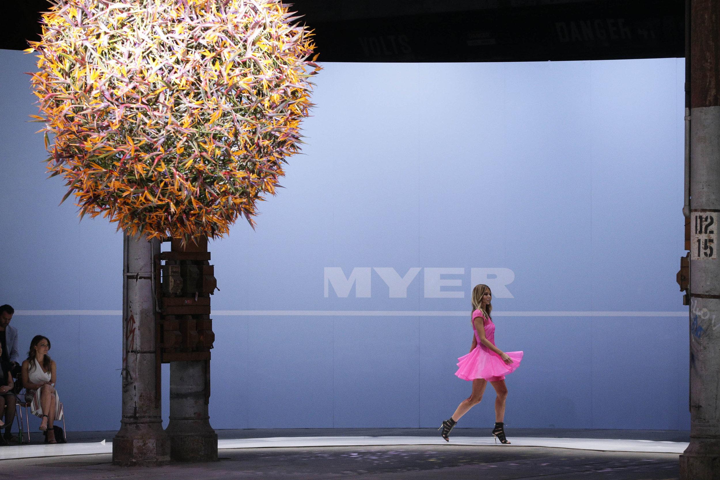 myer-spring-summer-2015-catwalk-alex-perry-1.jpg