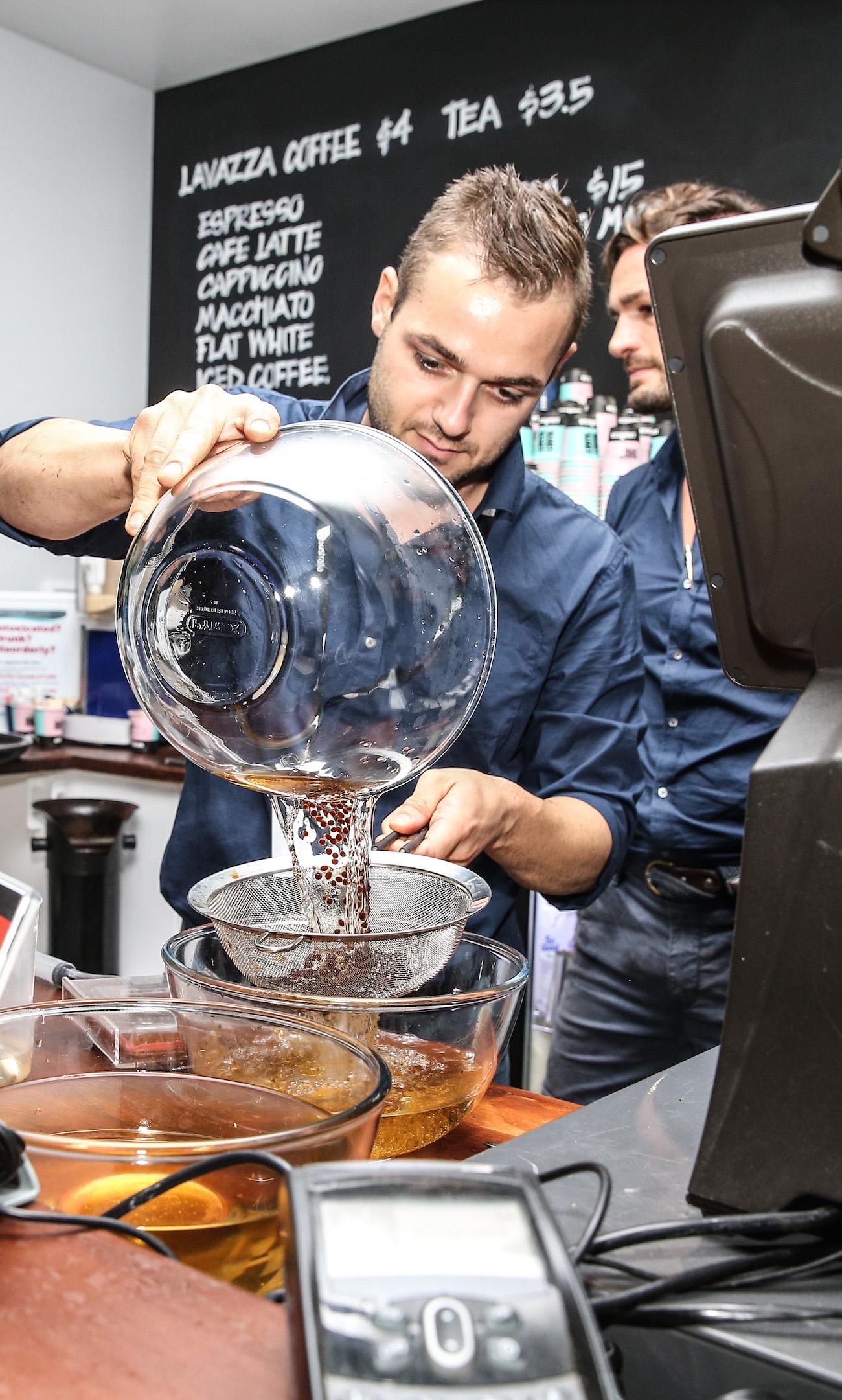 lavazza-vamff-2016-barista.jpg