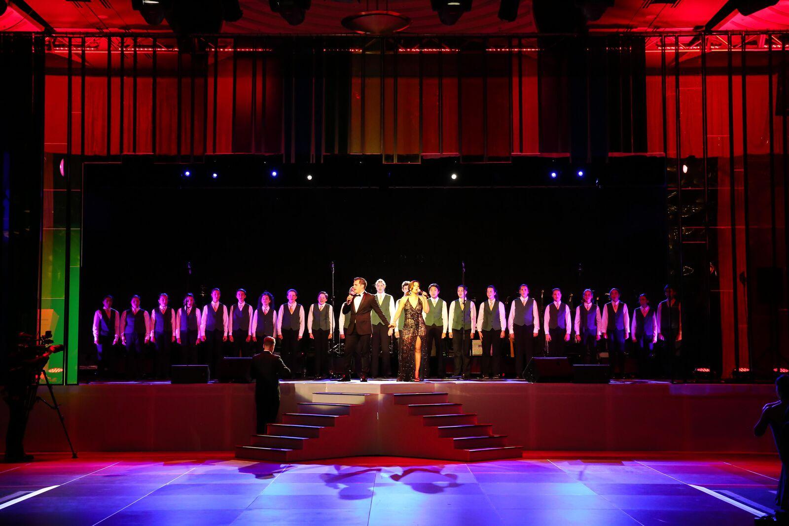 starry-starry-night-2016-choir.jpg