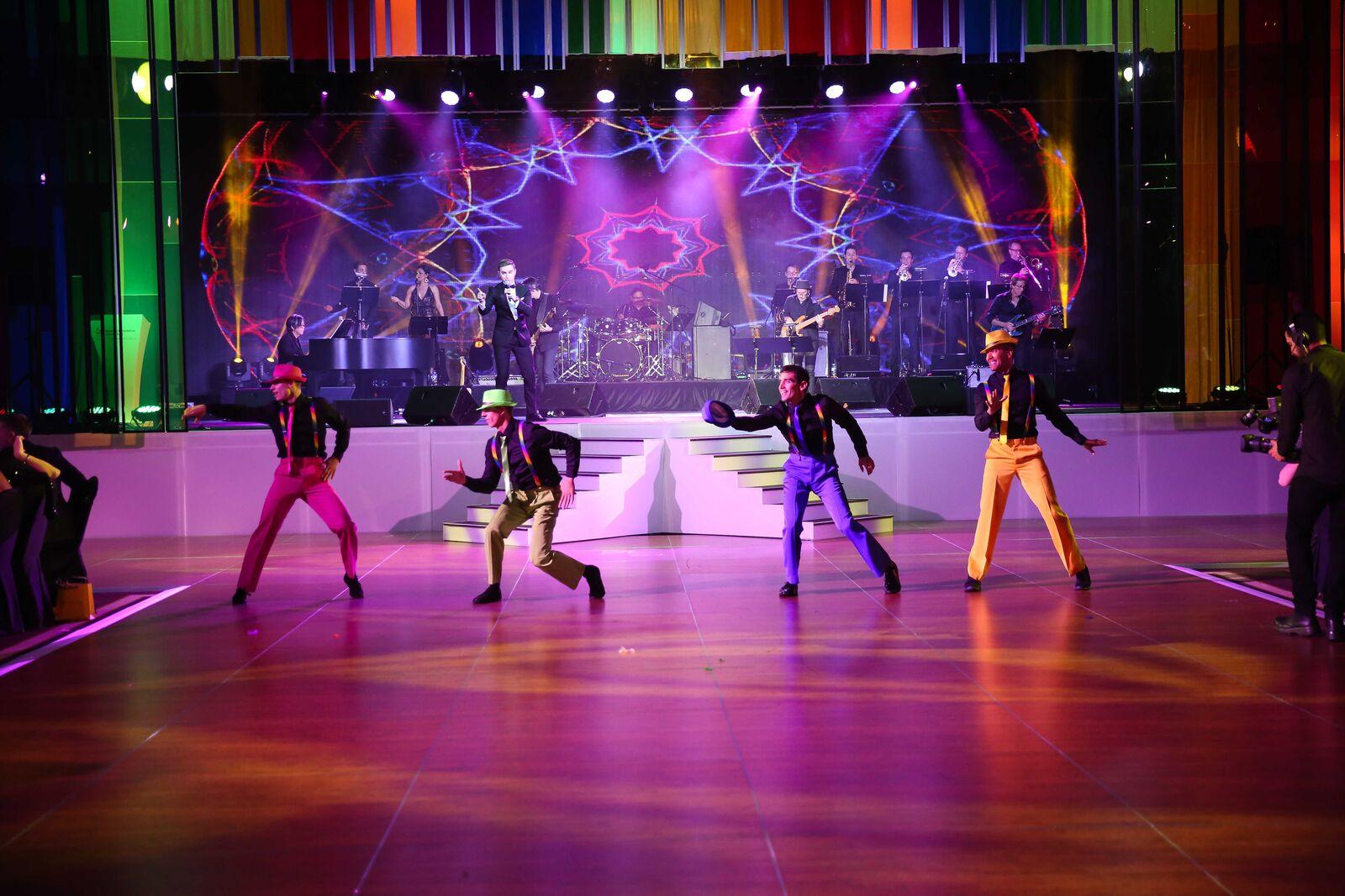 starry-starry-night-2016-dancers-2.jpg