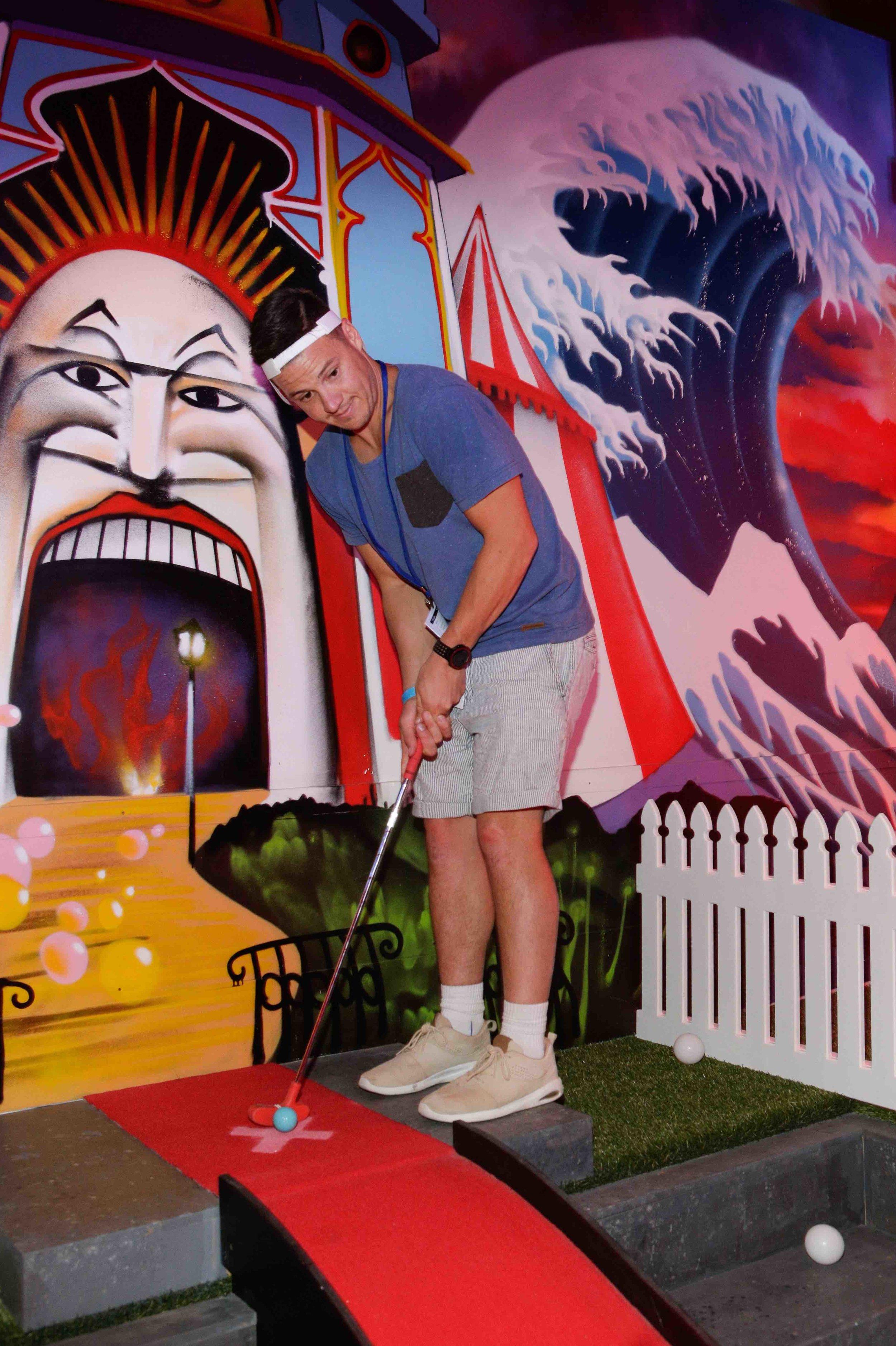 holey-moley-golf-club-launch-2017-guest-x.jpeg