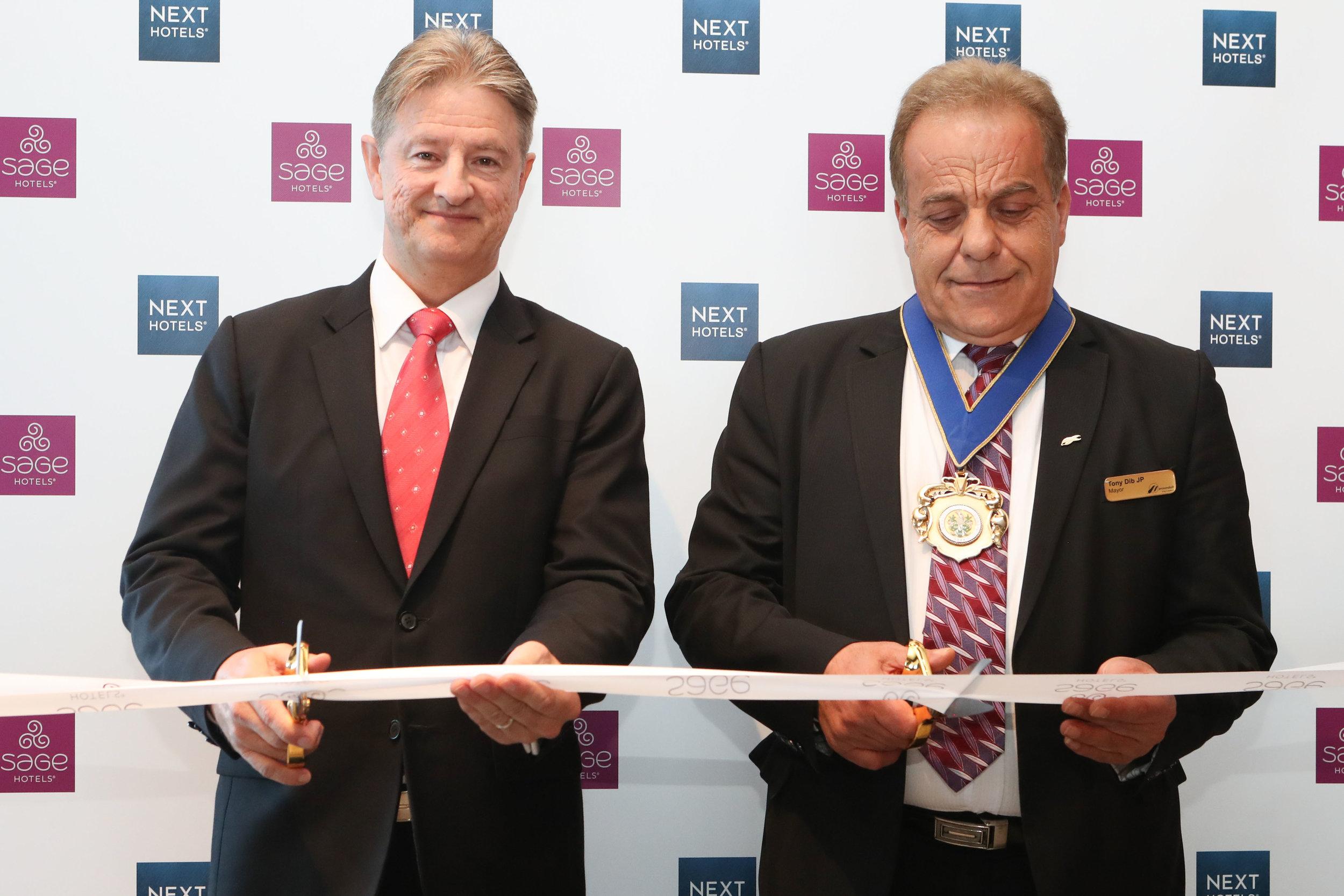 sage-hotel-ringwood-unveil-2017-ribbon-cutting-john-warren-mayor-tony-dib.jpg
