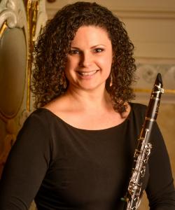 Victoria Luperi, Clarinet