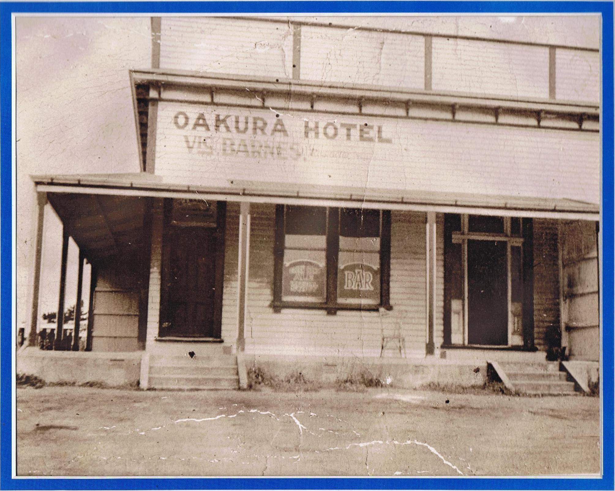 Old Oakura Hotel Barnes pic.jpg