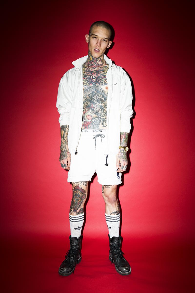 Wearing: Jacket Nike by  @grim_rag pants  @calvinklein Socks:  @adidasoriginal Boots:  @diesel