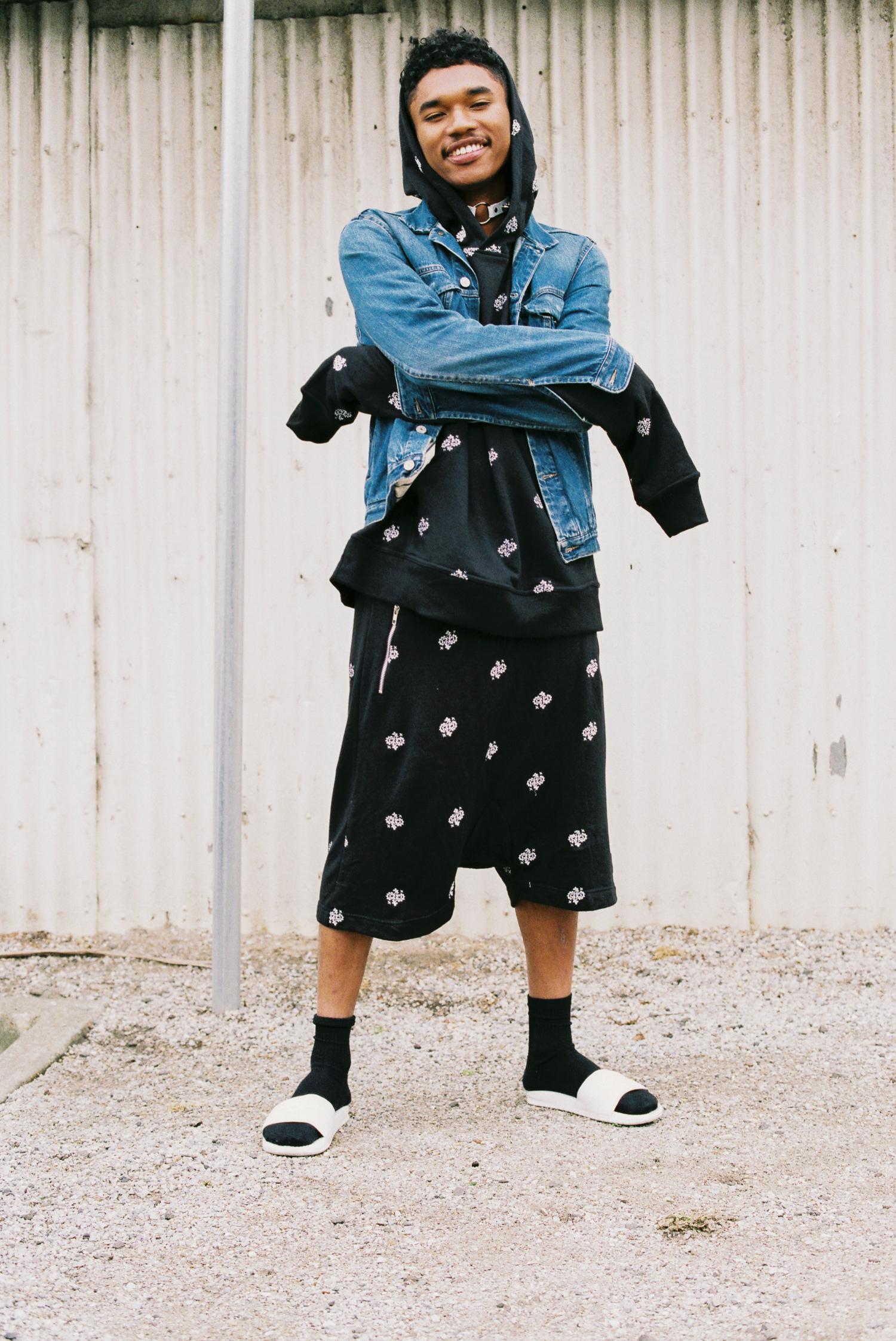 Chai wears: Paisley Drop Crotch Short and Oversized Jumper: @ otheruk Levi's Denim Jacket: @ levis_anz Slides: @ nike