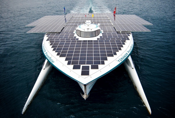 A world tour in the sunshine - the MS Tûranor PlanetSolar