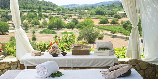 Son-Brull-Mallorca_massage-bed.jpg
