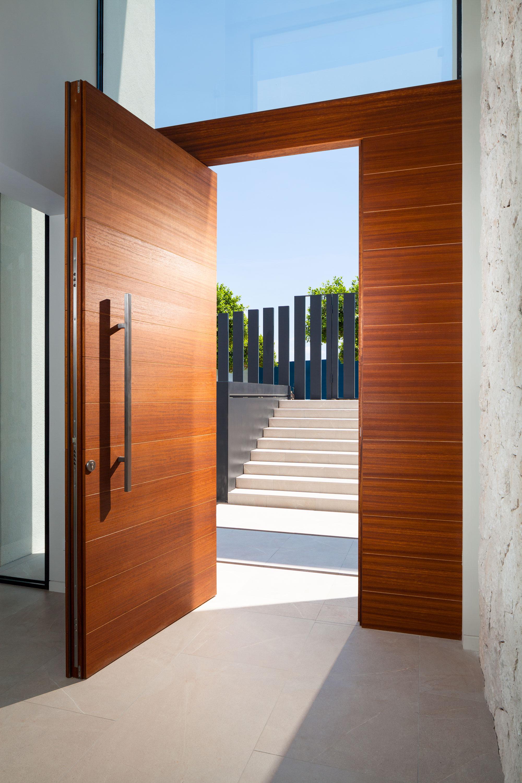 Entrance-door.jpg