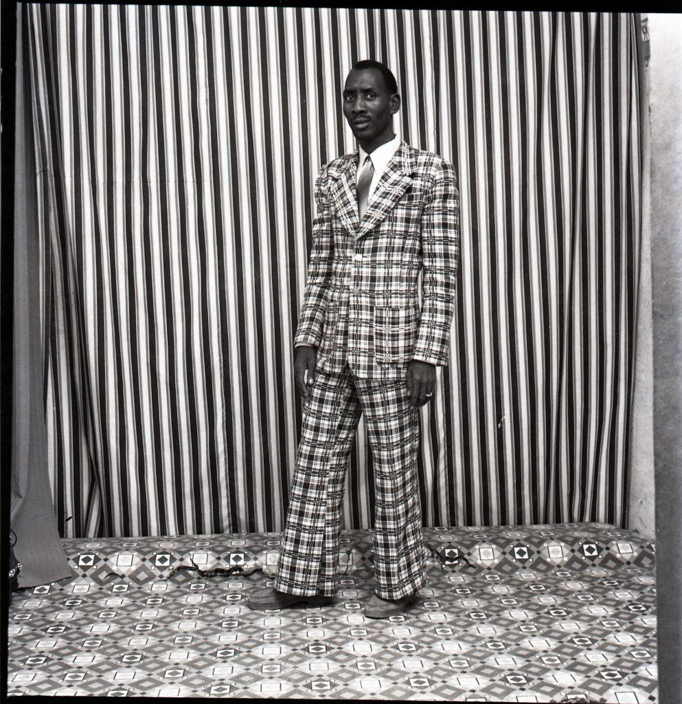 Malick-Sidibé-A-moi-seul-1978-993x1024.jpg