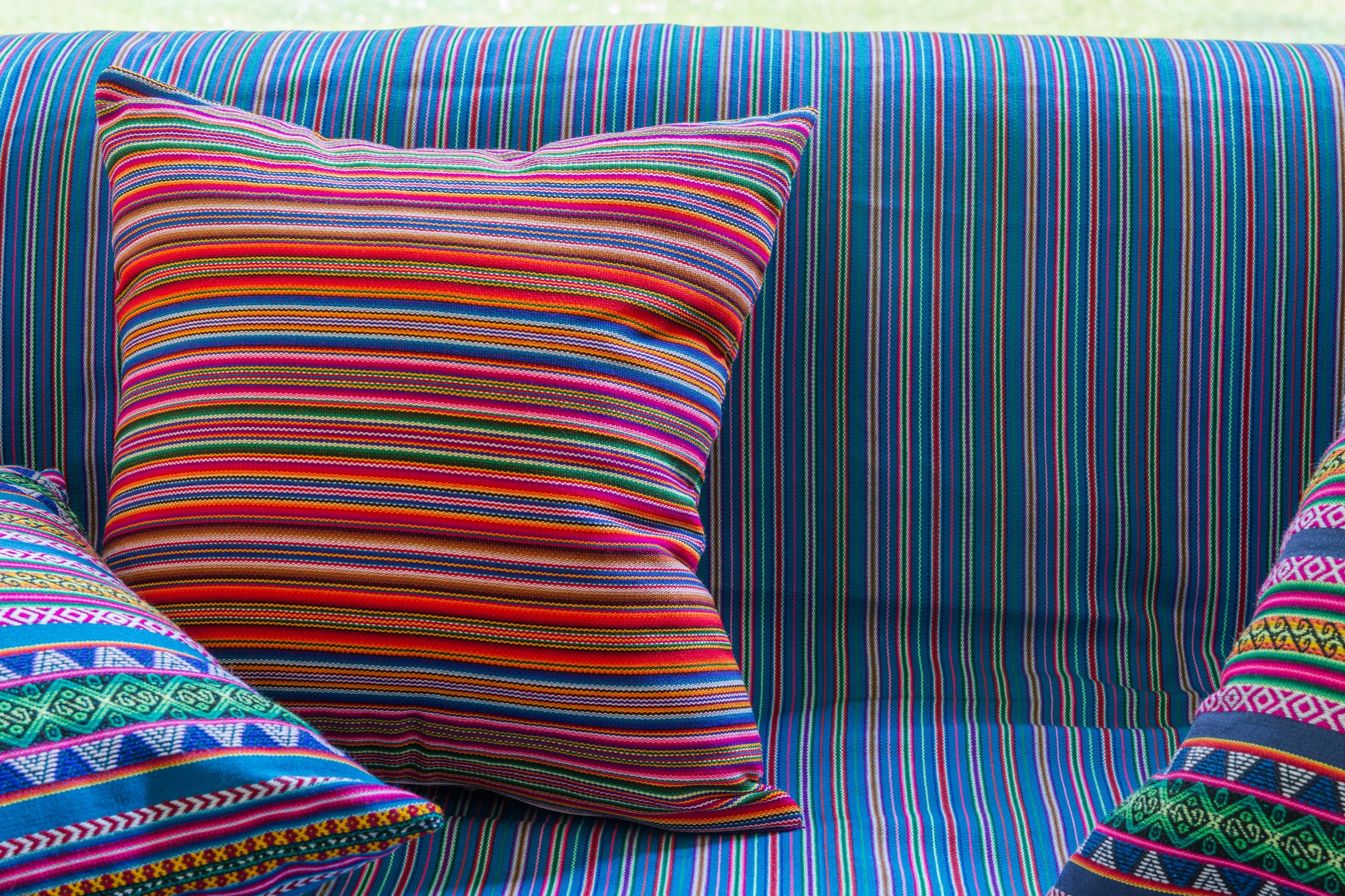 adjamee_decoration_coussin_banquette-arequipa-coussin-plaid.jpg