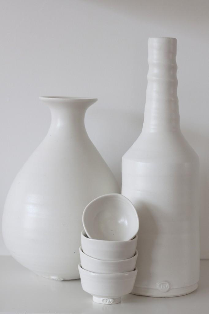 Matt white vases and sake cups