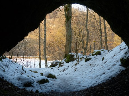 cave-95197__340.jpg