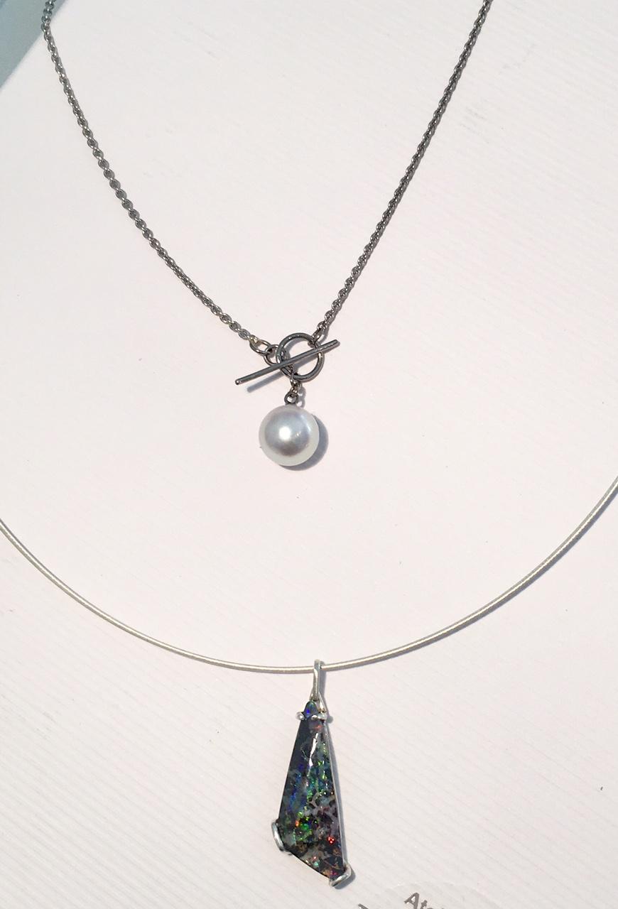 Pendentif perle et or gris argent opal