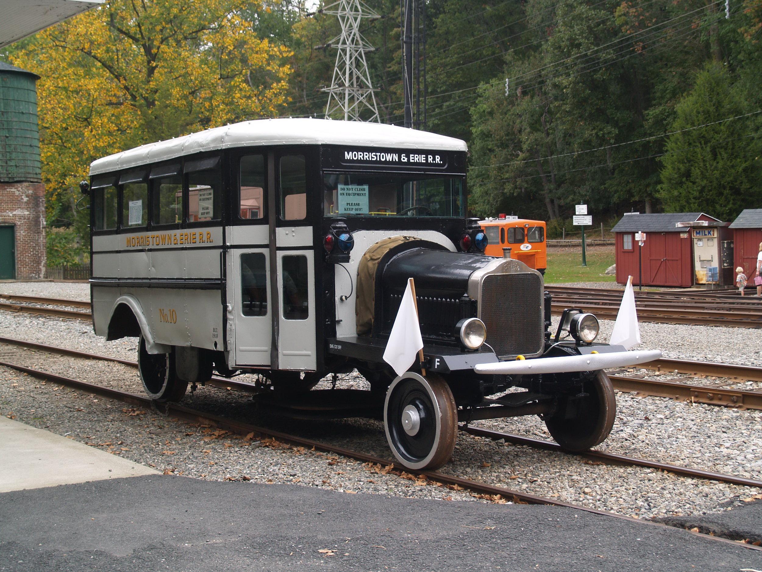 WRyM Railbus  2007 .JPG