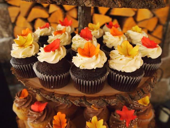 Fall Themed Cupcakes with Gum Paste Fall Leaves