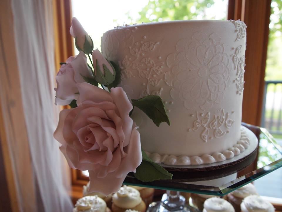 Hand Piped Lace with Sugar Rose