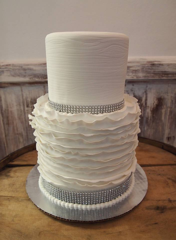 Bling Woodgrain with Fondant Ruffles