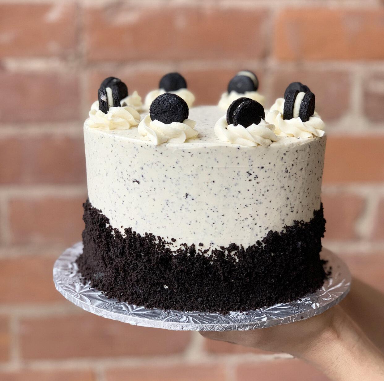COOKIES N' CREAM CAKE (GF/K/P)  *Approx. 4g NC per standard size slice