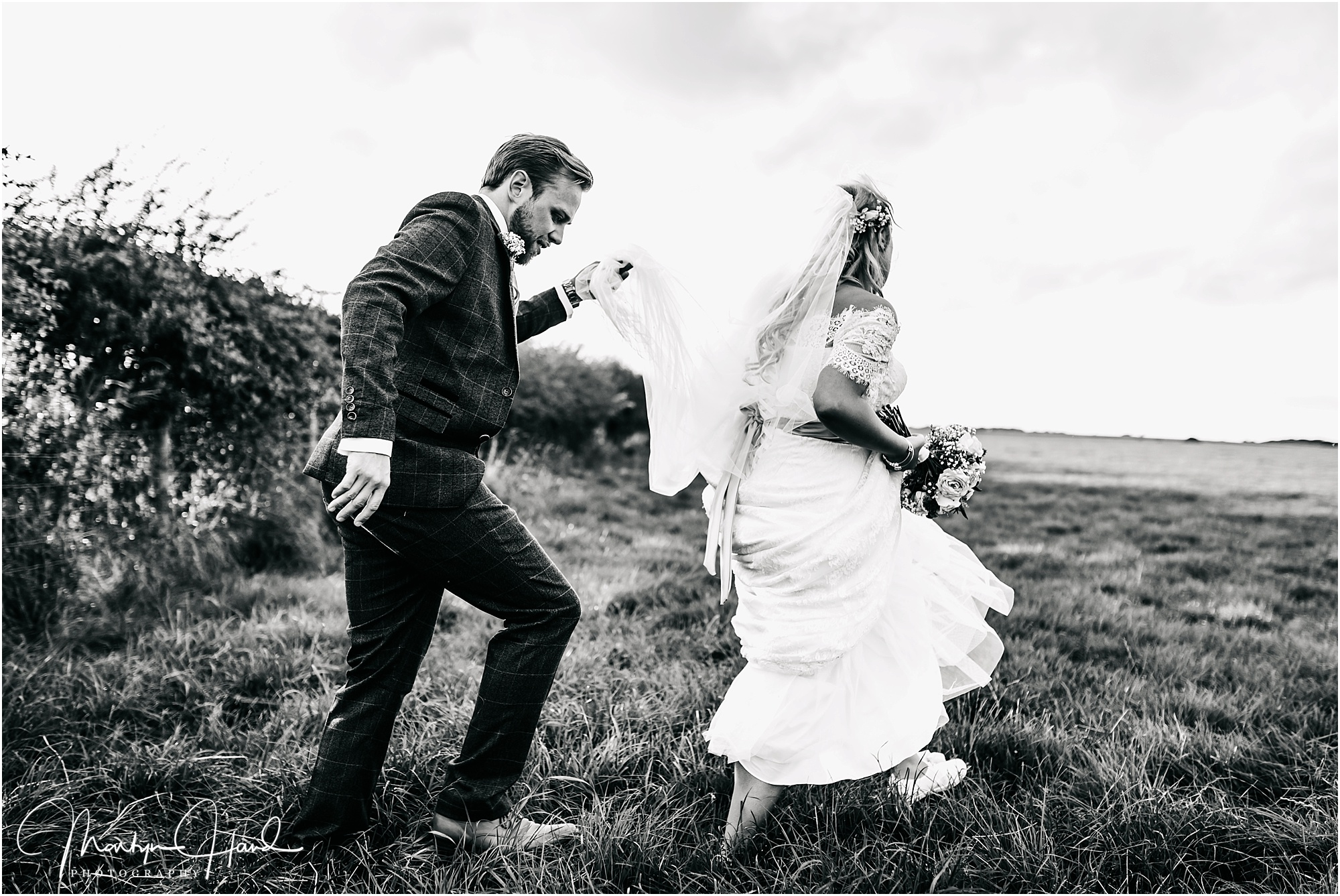 Laura & Mark Wedding Highlights-64.jpg