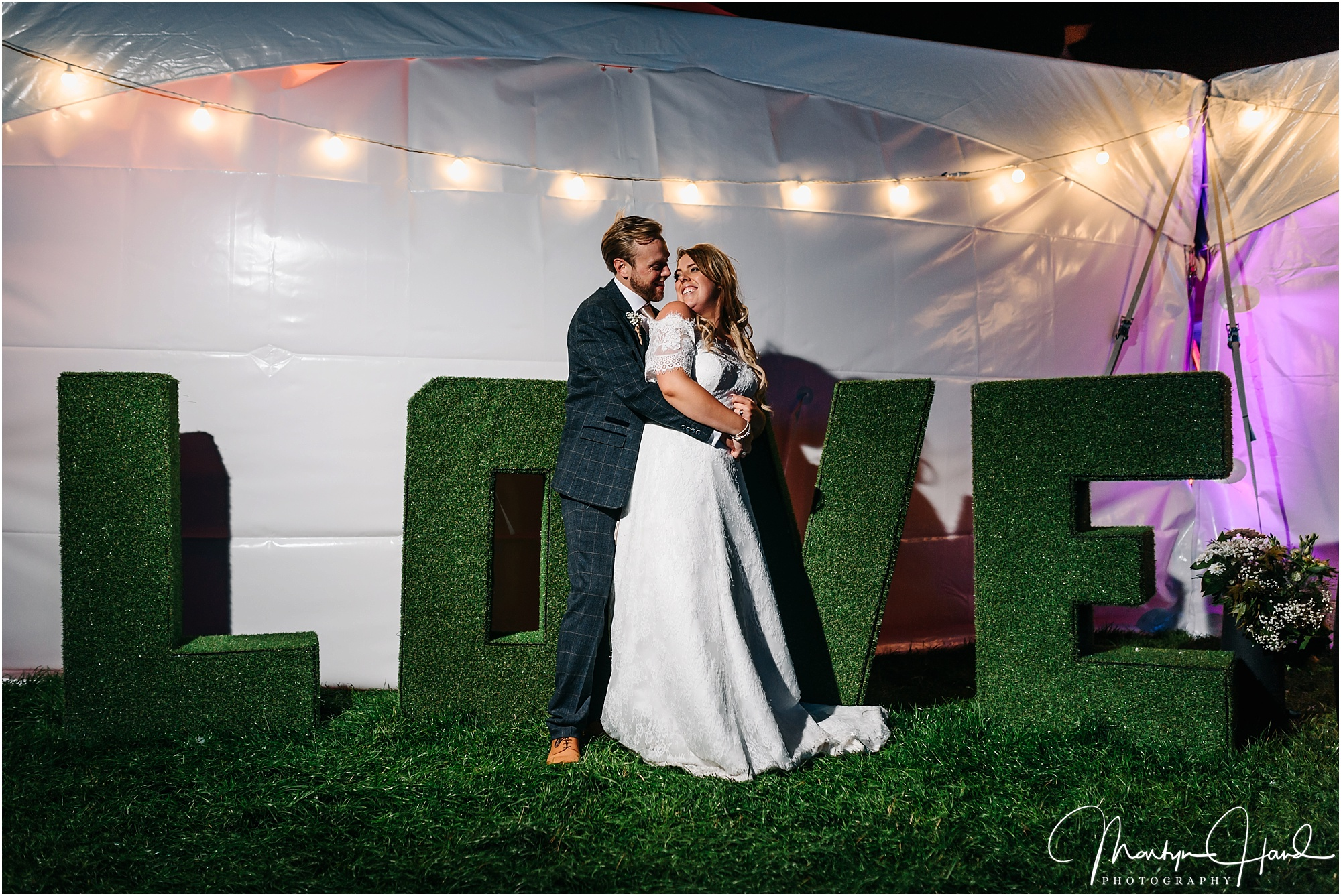 Laura & Mark Wedding Highlights-79.jpg