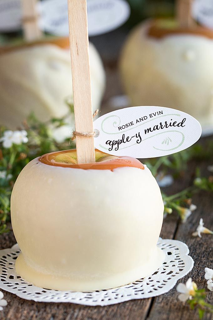 408d5802cf2855f09dc1a0ed18fbe89c--apple-wedding-favors-winter-wedding-favors.jpg