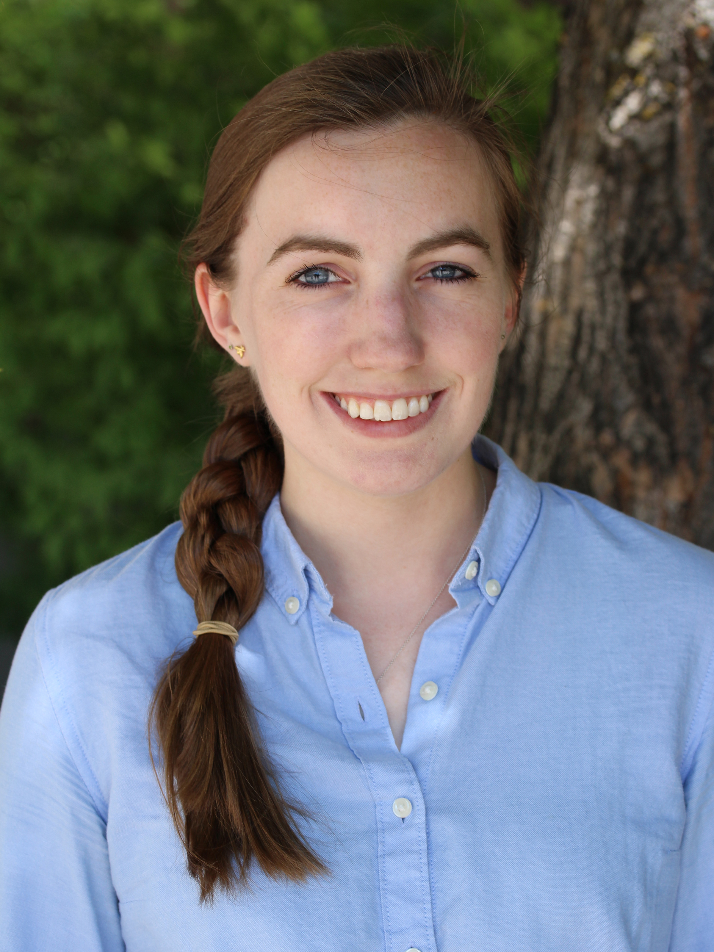 Sarah Lusk, BS. Graduate Student   Sarah is from Portland, Oregon. She completed her undergraduate studies in Biology from the University of Oregon. Sarah was first introduced to zebrafish as an undergraduate and following graduation continued her research studying axonal transport and microtubule dynamics. Sarah is currently interested in understanding the role of Hedgehog signaling and its underlying genetics in early development of the optic cup. When not in lab, Sarah enjoys exploring Utah's wilderness and parks, photography, and an Oregonian microbrew.