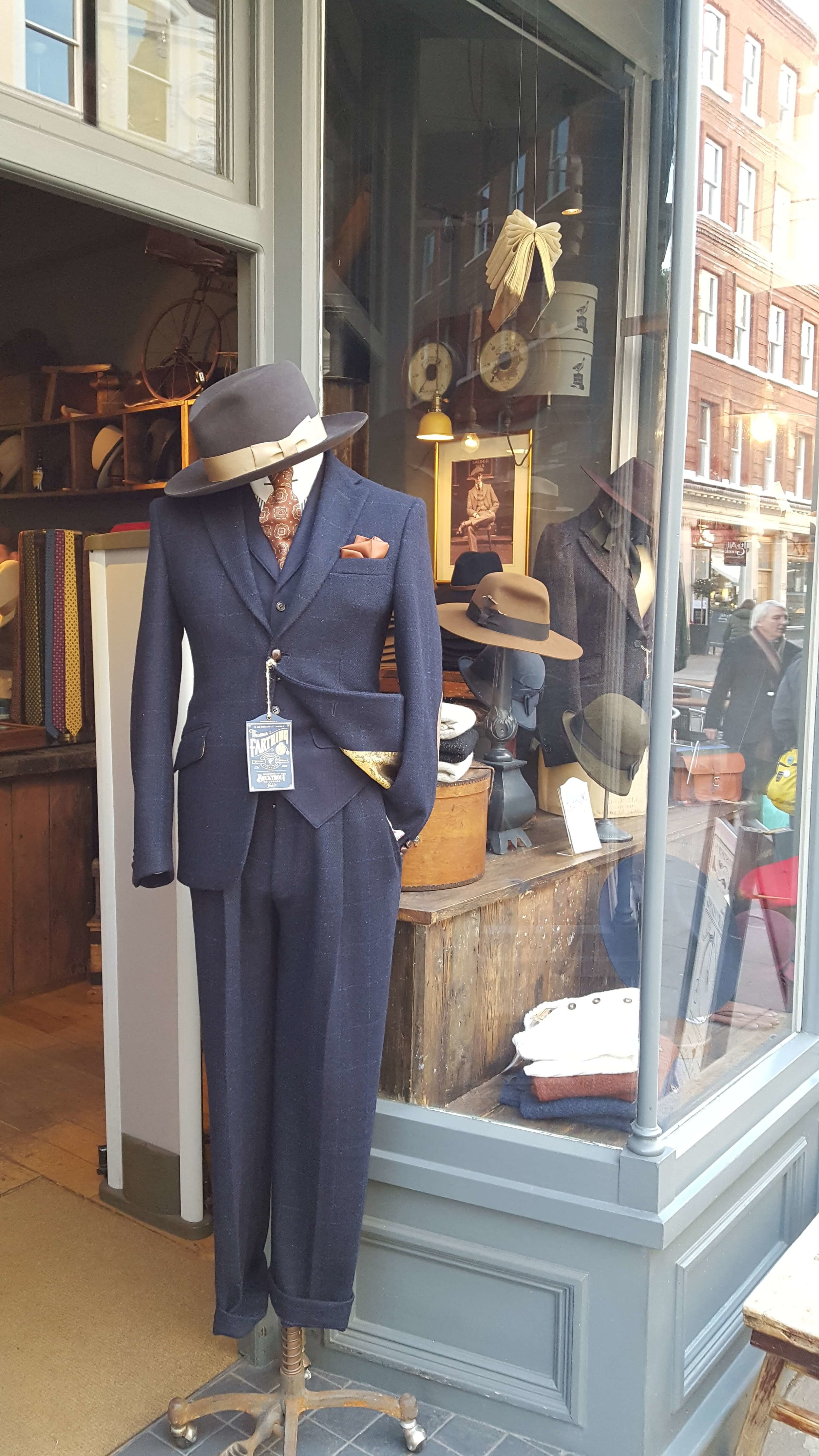 Did you know London has tons of boutiques with handmade goods using local fibers, e.g., fine Scottish wool? Save up your money for some of these specialty goods. FYI - Did you know that British men are among the most smartly dressed in the world? Think James Bond and Sean Connery. Just me wee humble opinion.