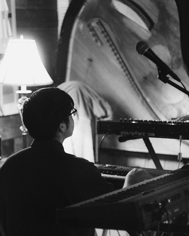 Performance piece . . . #perform #performance #keyboard #keyboardist #music #musically #musicians #musica #bnw #bnwphotography #art #artist #lamusic #lamusicscene #calarts #losangelesmusic