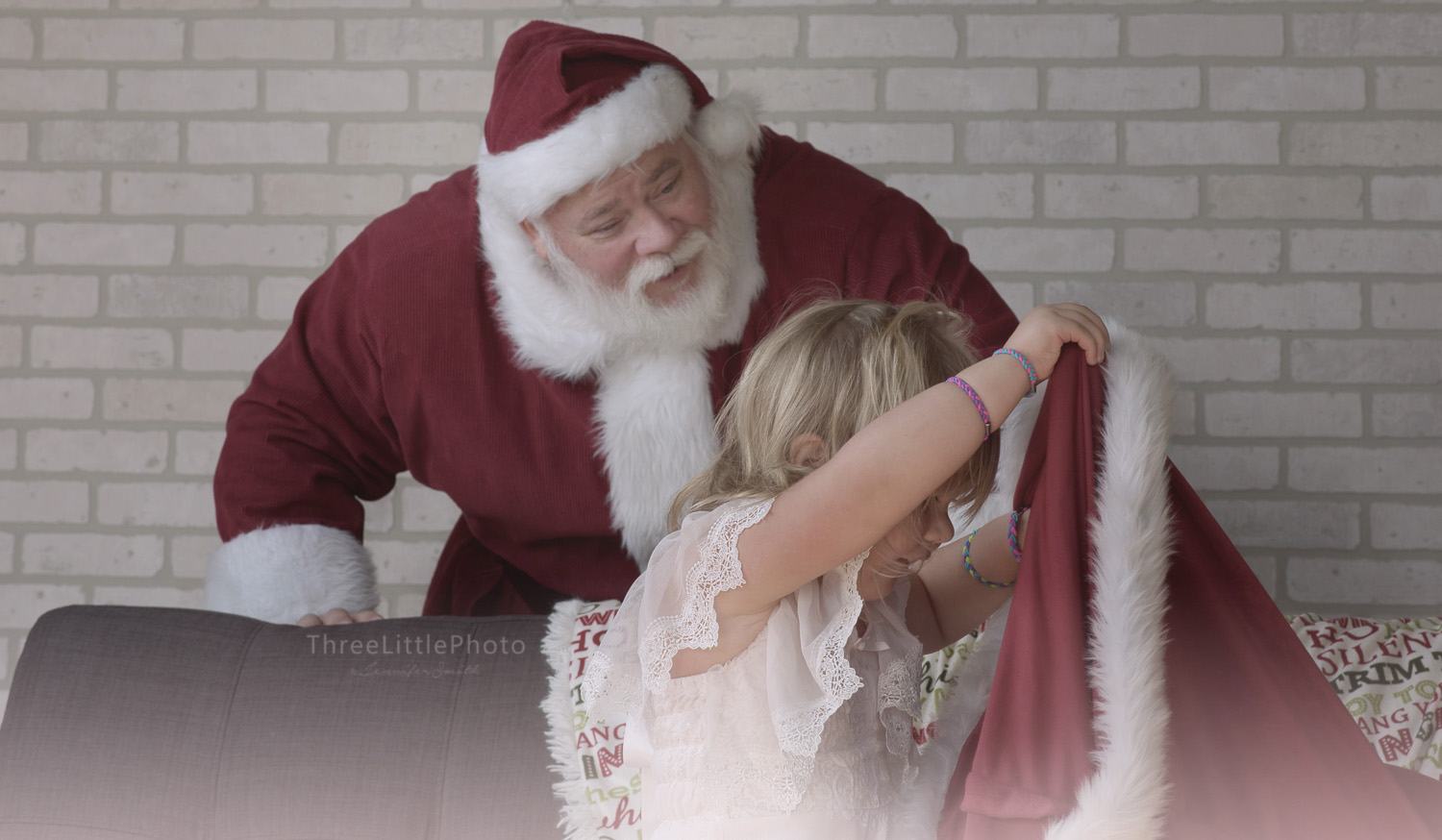 ThreeLittlePhoto_SantaAd_2018_0015.jpg