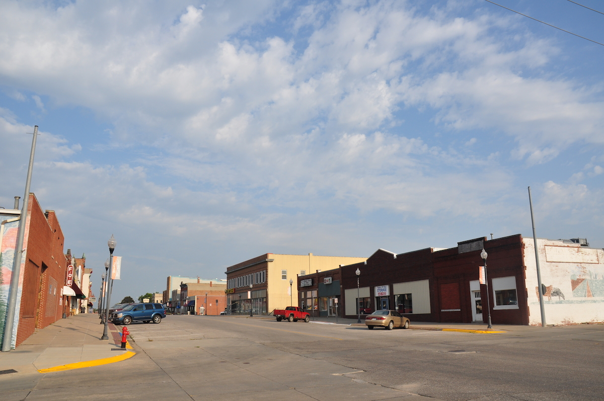 MAIN STREETS IN AMERICA. Once prosperous towns like this are struggling to stay alive in the heartland. Main street, Wahoo, Nebraska