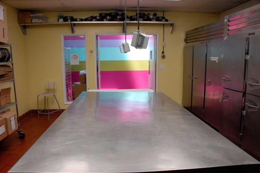 kitchen_3_four.jpg