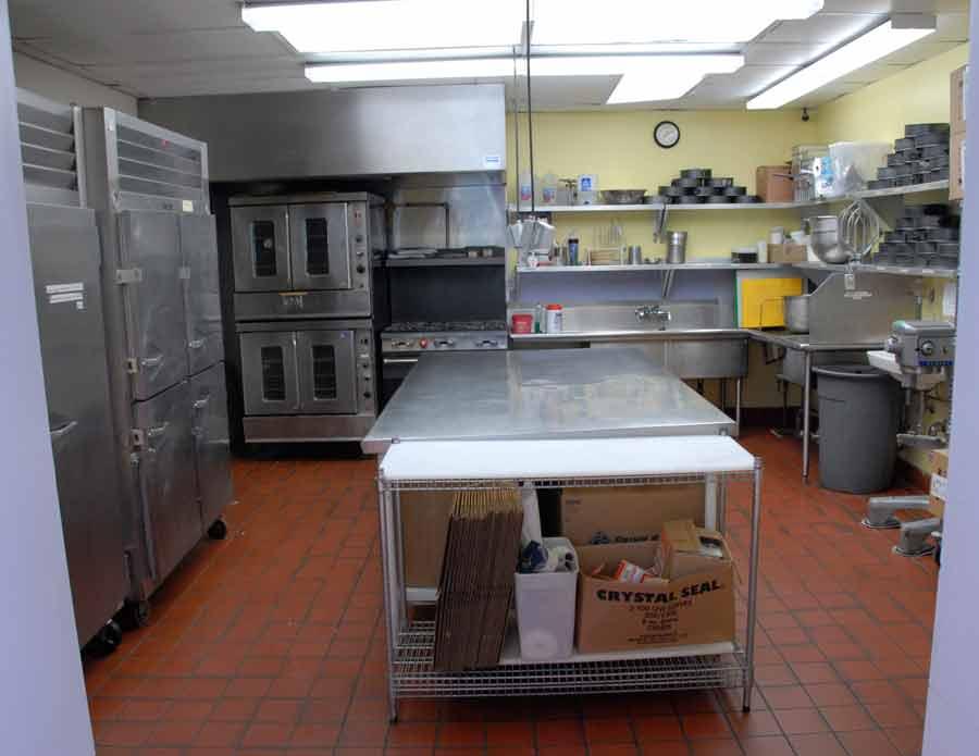 kitchen_3_two.jpg
