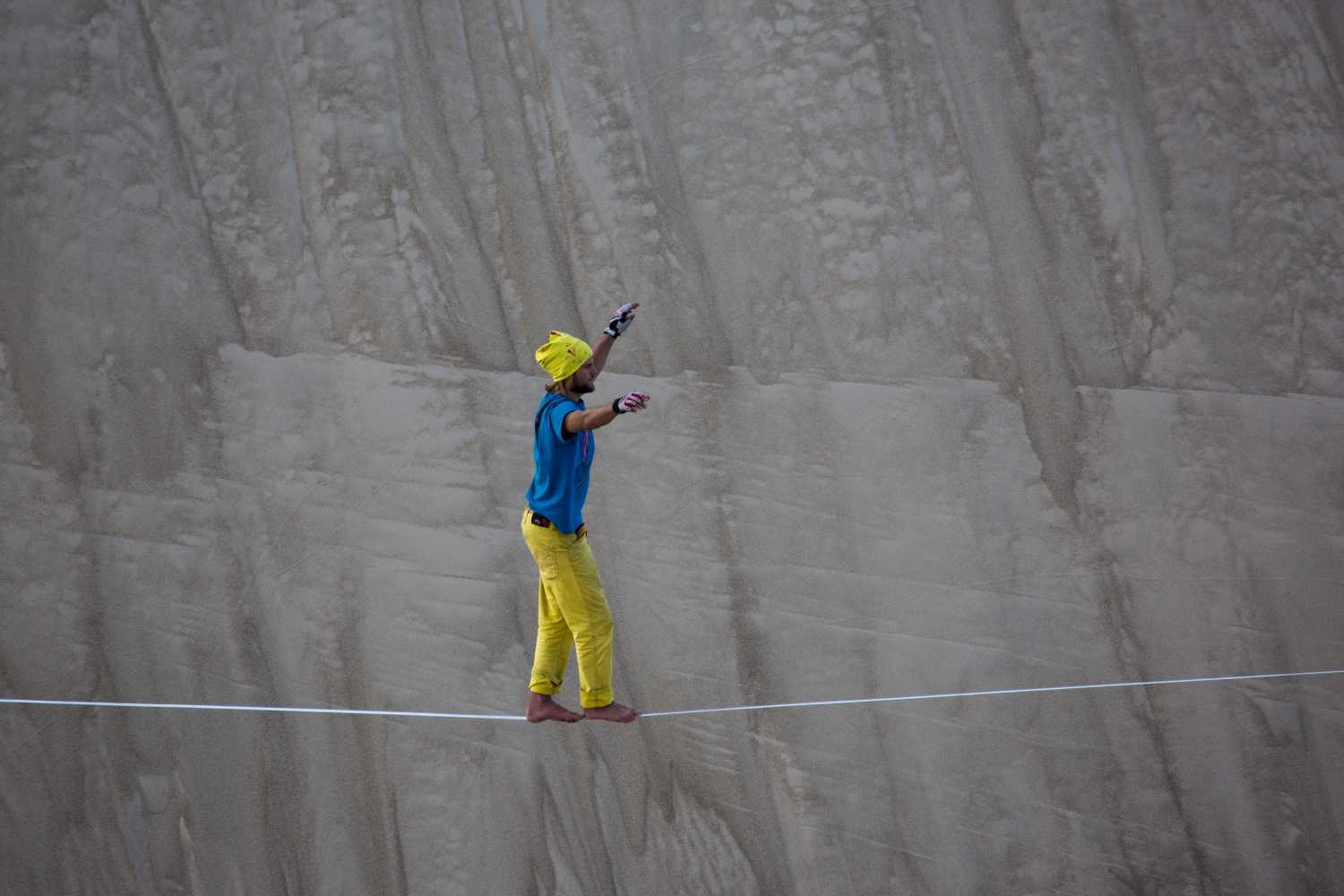 Wueste_China_Slackline-World-record (14).jpg
