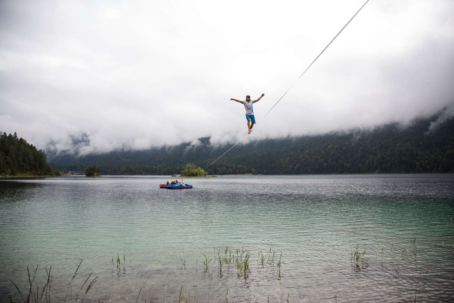 Eibsee-slackline-world-record (12).jpg