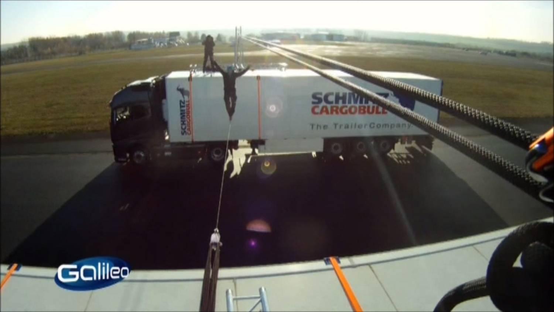 Galileo Fakecheck Slackline Volvo Stunt (2).jpg