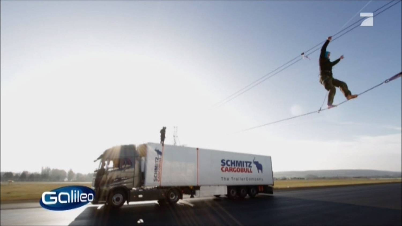 Galileo Fakecheck Slackline Volvo Stunt (5).jpg