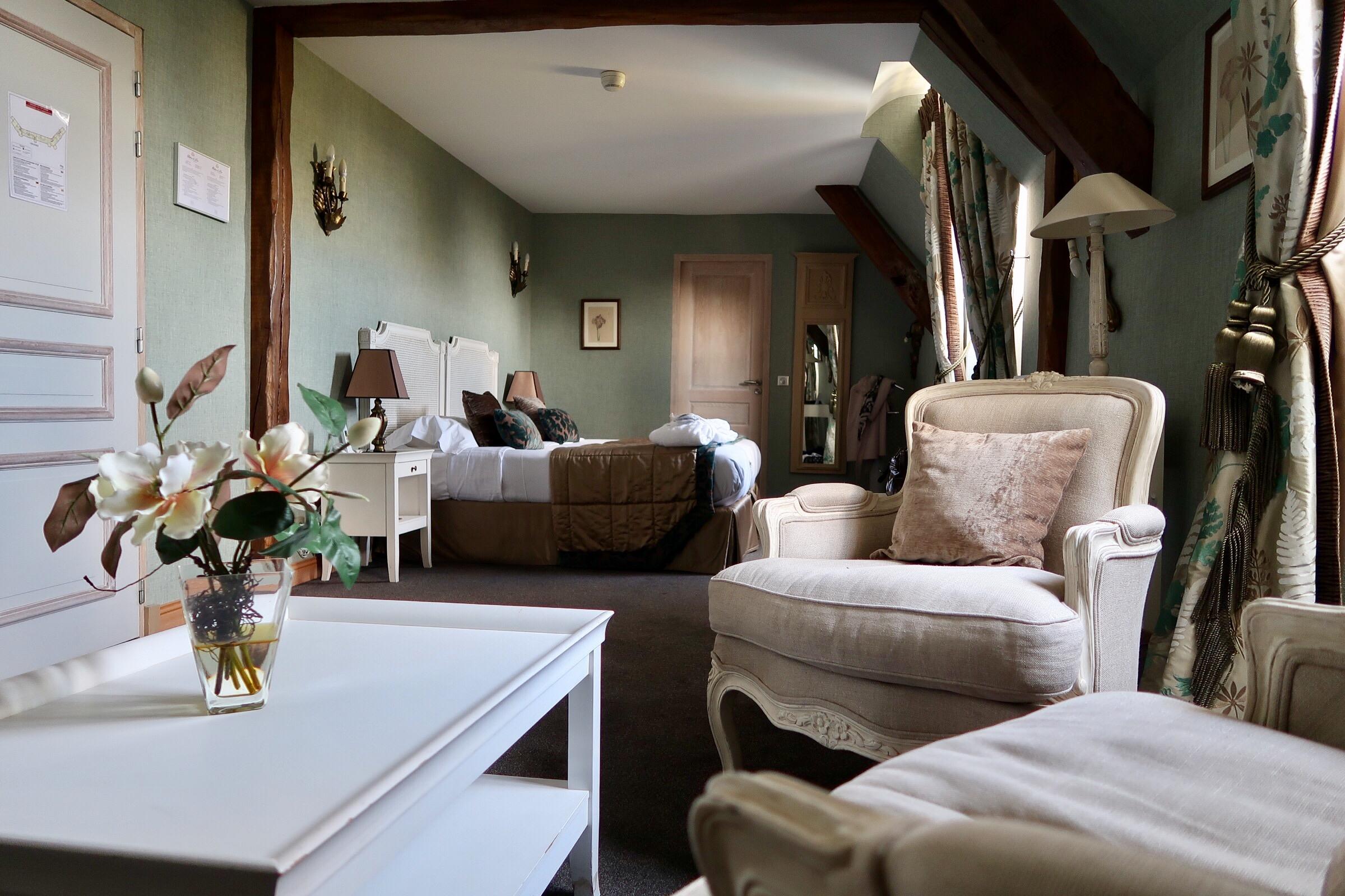 Chateau de Fere deluxe room