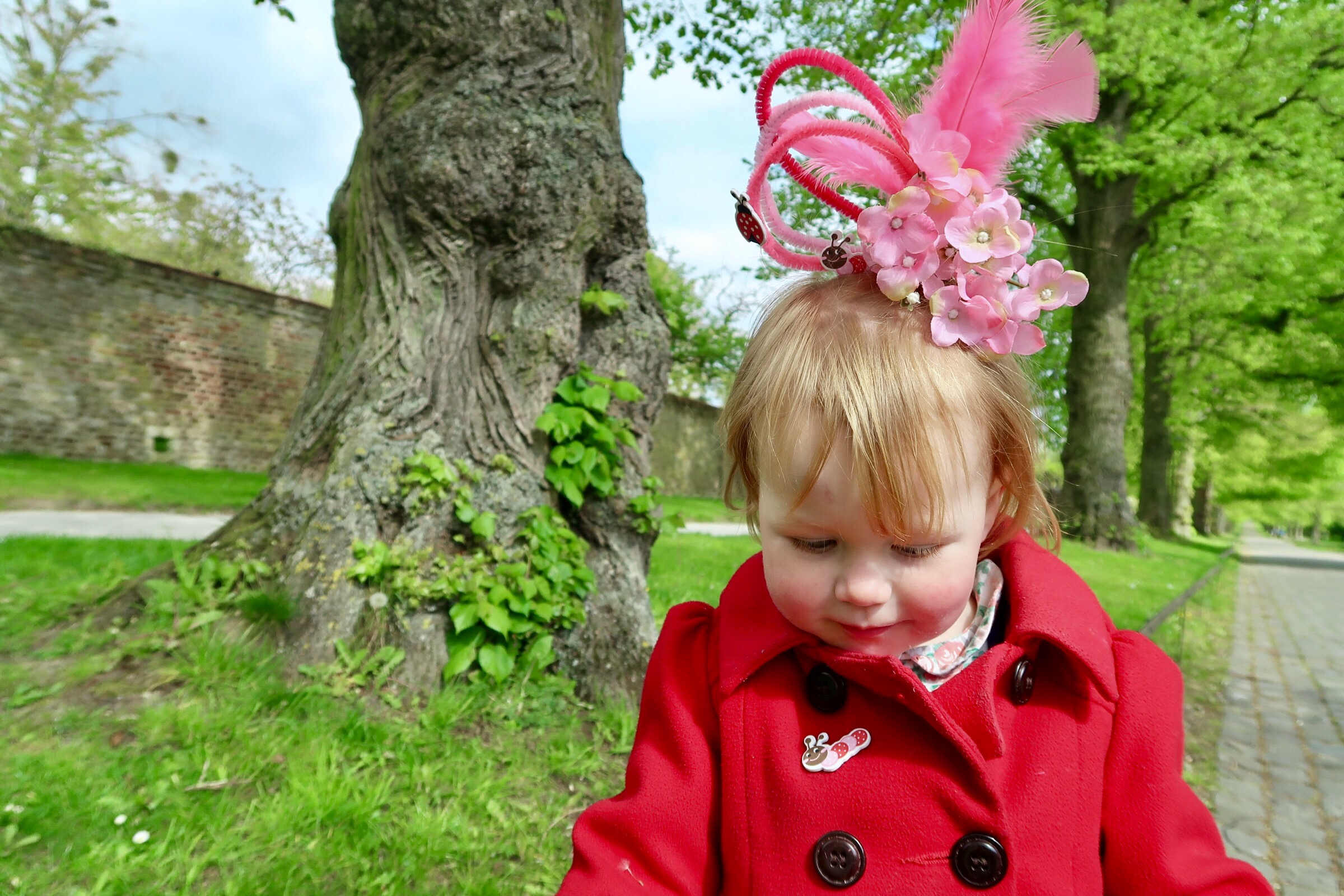 """How to make a nearly 2 year old very happy - take her to a """"princess"""" castle and have her hair done!"""
