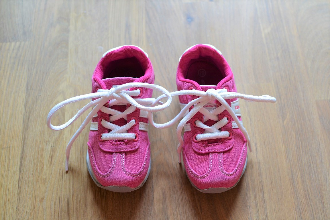 Laces and toddlers = don't mix!