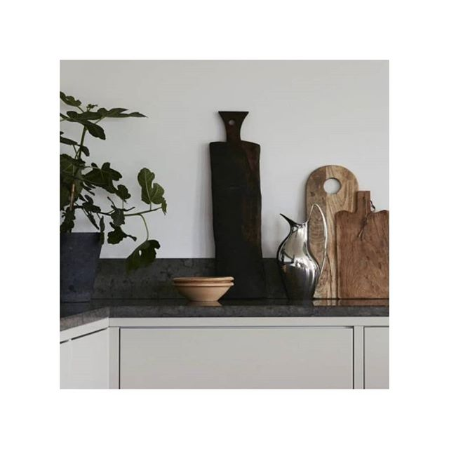 Kitchen styling with wooden textures...♡ . . . . . . . . . #kitchendesign #kitchenstyling #homedesign #architecture #design #interiors #moderndesigns #moderninteriors #interiorstylist #colourfulinteriors #interiorinspo #luxuryinteriors #beautifulinteriors #seekthesimplicity #instareality #interiors123 #interiorsblogger #elledecor #vogueliving #apartmenttherapy #interiordetails #interiorforyou #interiorstyled  #interiorart #interiorlovers #fineinteriors #homestyle #midcenturymodern #inspohome #instainterior #interiorlovers