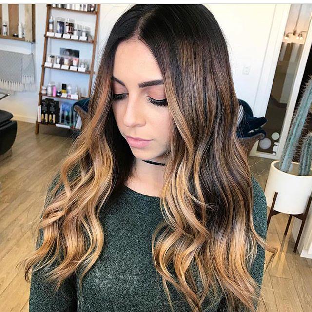 Perfection @hairbycecsosweet . . #saintgeorgehair #saintgeorgehairstylist #southernutahhair #utahbalayage #stgeorgehair #stgeorgesalon #saintgeorgesalon #utahcolorist #utahblondes #hairpainting #glossitup #showmeyourshade #heyelizabethfaye #smudgeandtone #moneypattern #foilyage #houseofhair #elizabethfayesalon #naturalcoloringmethods