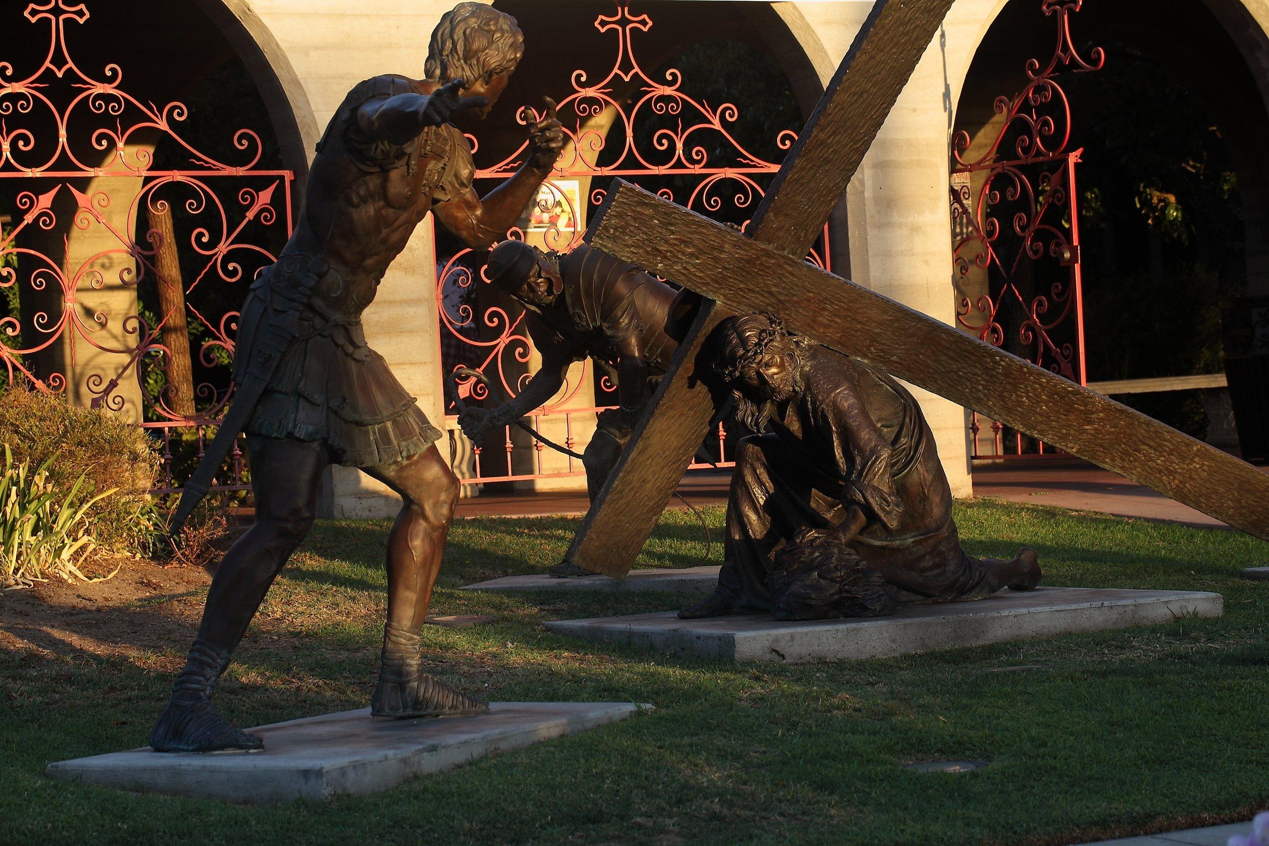Slatoff_Jesus Falls_Bronze_atStMarks_0045.jpg