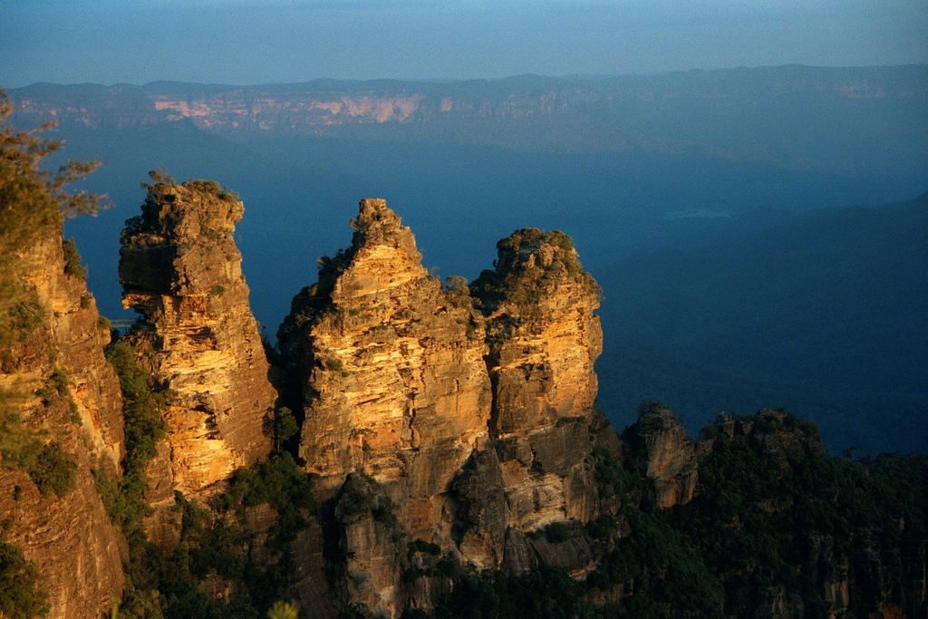 Echo Point and Three Sisters Tour in Blue Mountains Australia ( flickr )