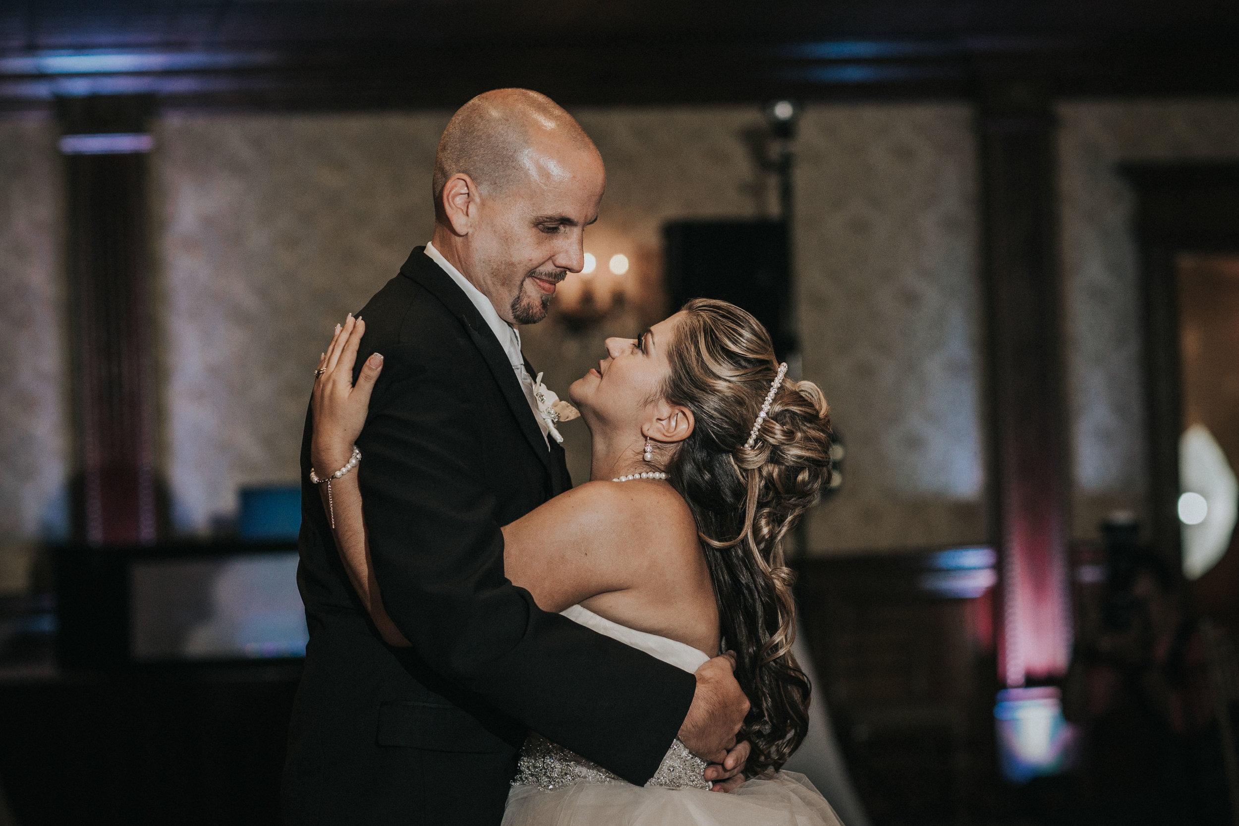 NewJersey_Wedding_Photography_Brigalias_Reception_Tara&Pete-17.jpg