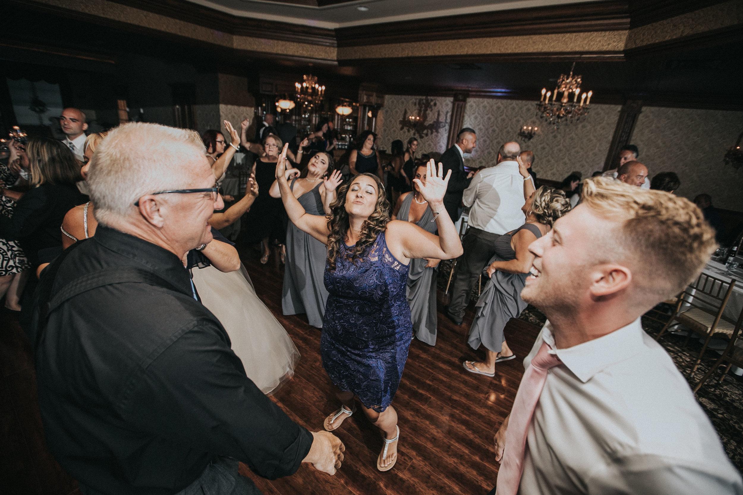 NewJersey_Wedding_Photography_Brigalias_Reception_Tara&Pete-105.jpg