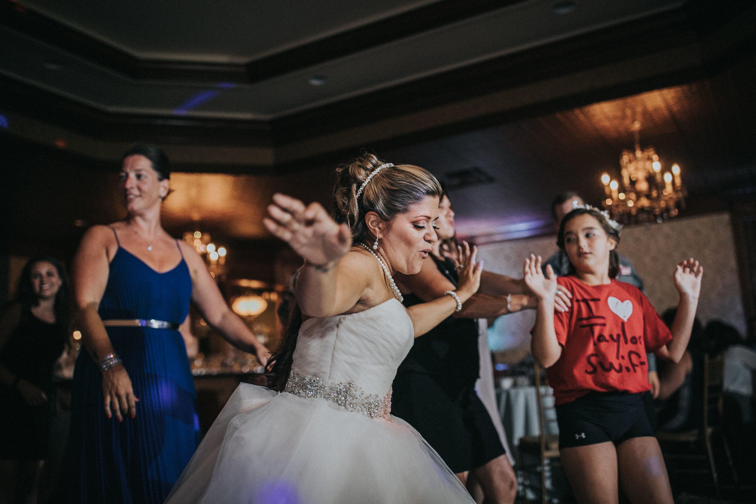 NewJersey_Wedding_Photography_Brigalias_Reception_Tara&Pete-194.jpg